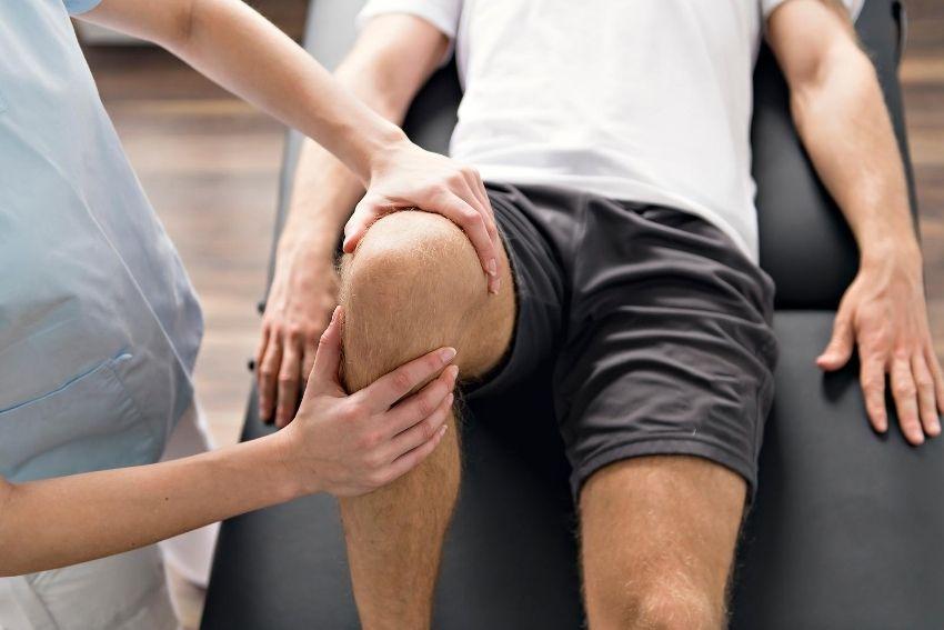 Sport rehab on a knee